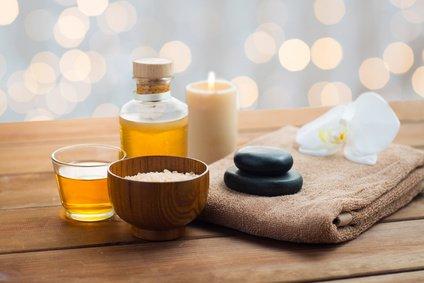 Salz und Massage Öl